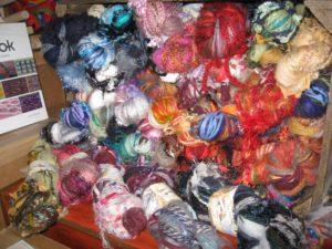 Mixed novelty yarns